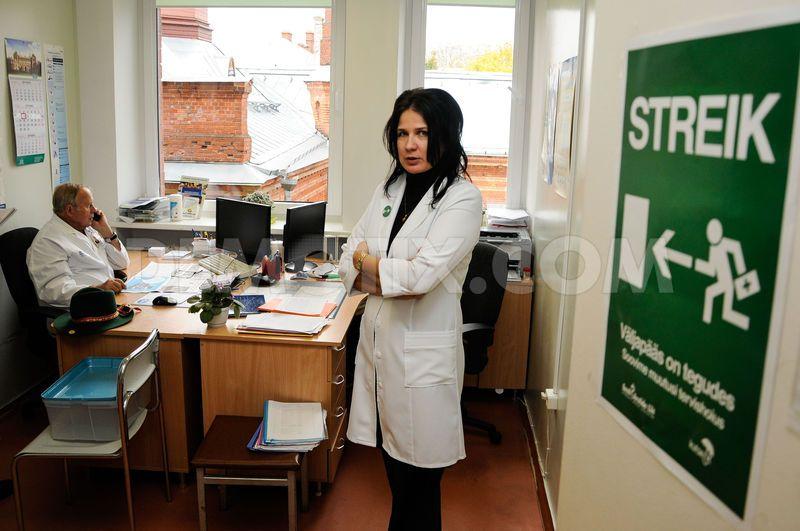 1349776984-estonian-doctors-continue-their-strike