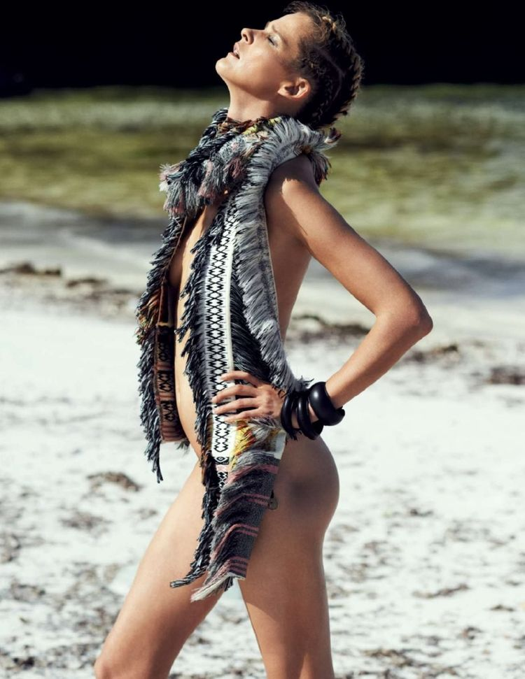 Carmen-kass-by-philip-gay-for-marie-claire-spain-june-2014-6